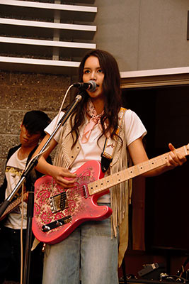 anly_guitar3