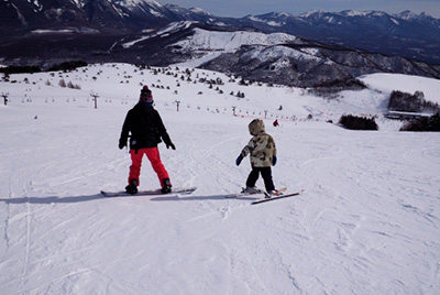 short_ski_parent_child