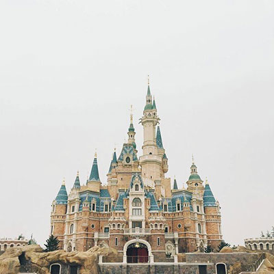 shanghai_disneyland_castle_dark_cloud